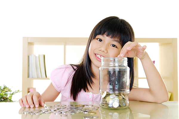 6 Simple Ways You Can Teach Your Children About Saving